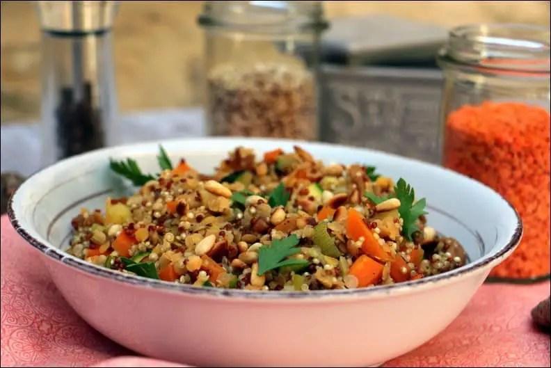lentilles et quinoa aux pignons de pin et 5 épices