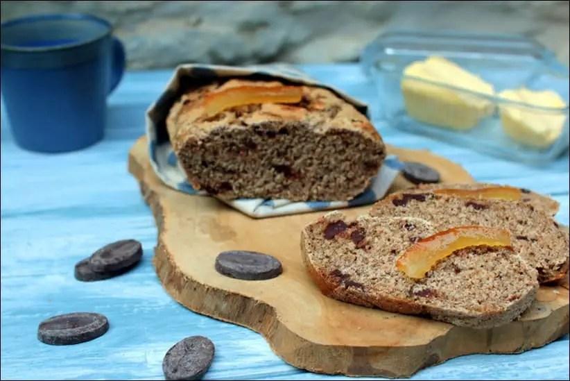 pain complet gourmand aux oranges confites et au chocolat