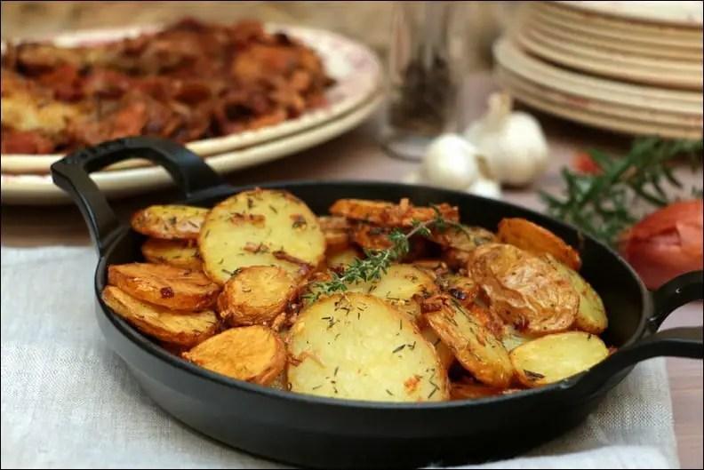 pommes de terre sautées à l'ail et au romarin