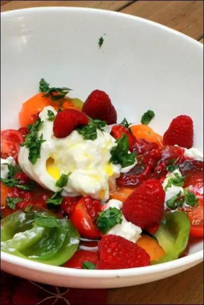 salade tomate framboises burrata
