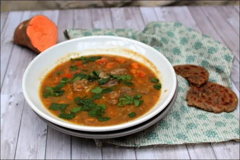 Soupe épicée à l'agneau et patate douce et ses petits pains au fenouil