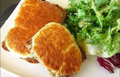 tartines soufflées au cream cheese et aux herbes