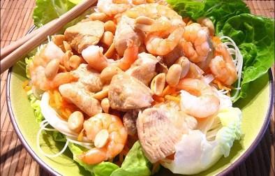salade façon bo bun aux crevettes et poulet