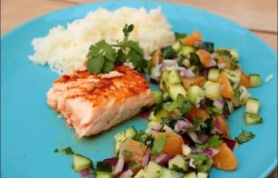 filet de saumon et sa salsa de concombre et clémentine