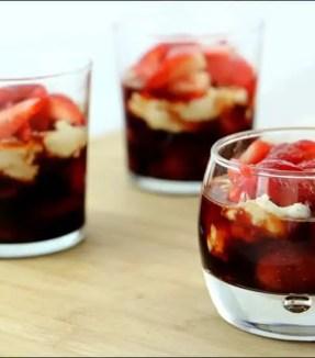 fraises au caramel balsamique et à la brousse d'Eric Sapet