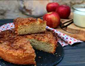 gateau fondant au yaourt aux pommes et sa croûte craquante