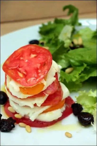 tomate mozzarella presentation