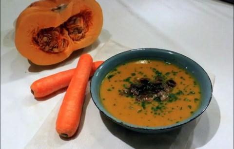 soupe automnale à la courge et champignons