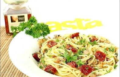 spaghetti au thon et tomates séchées