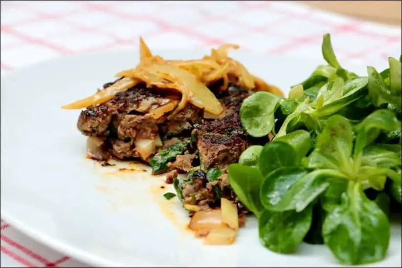 steaks hachés aux oignons cumin et paprika de Cyril Lignac
