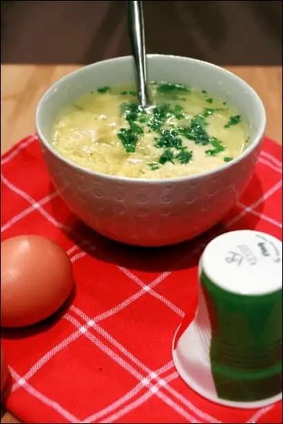 potage aux oeufs à l'italienne