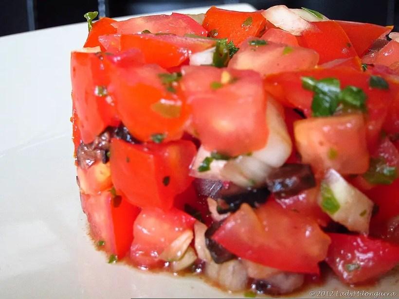 tomates olives en salade