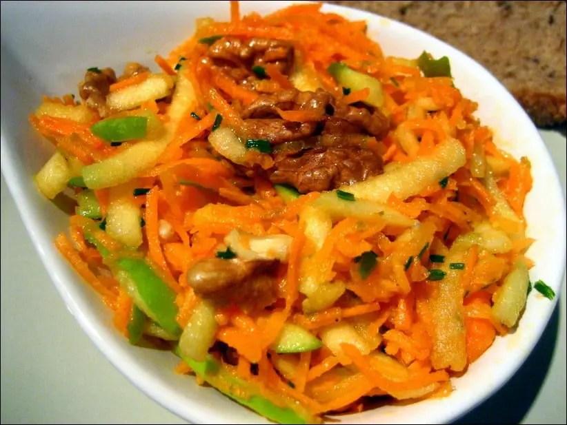 émincé de carottes et pommes aux noix