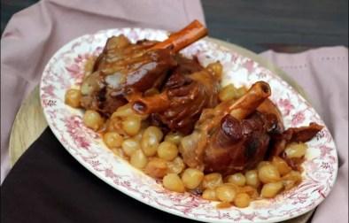 souris d'agneau aux oignons confits