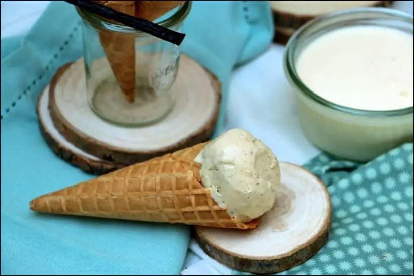 creme glacée vanille maison avec sorbetiere
