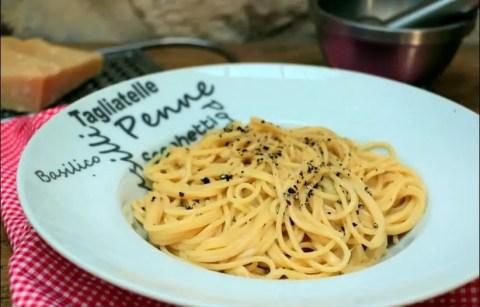 spaghetti cacio e pepe de Laurent Mariotte