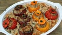 tomates farcies au veau et aux herbes sur riz