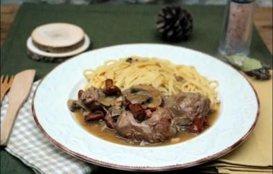 Joues de porc aux champignons et au vin blanc