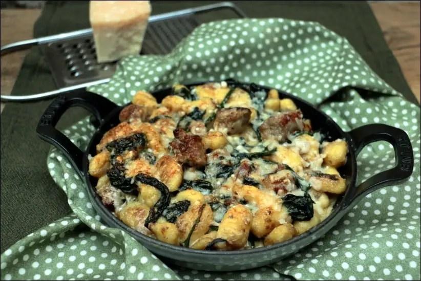 gratin de gnocchi chipolatas épinards et crème au parmesan