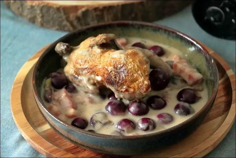 cailles aux lardons et raisin en cocotte