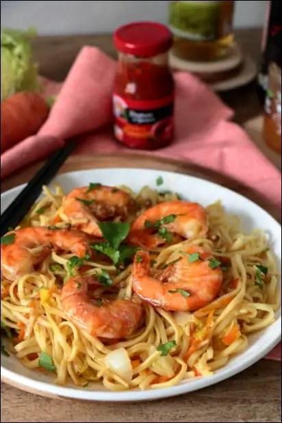 wok de crevettes aux nouilles chinoises
