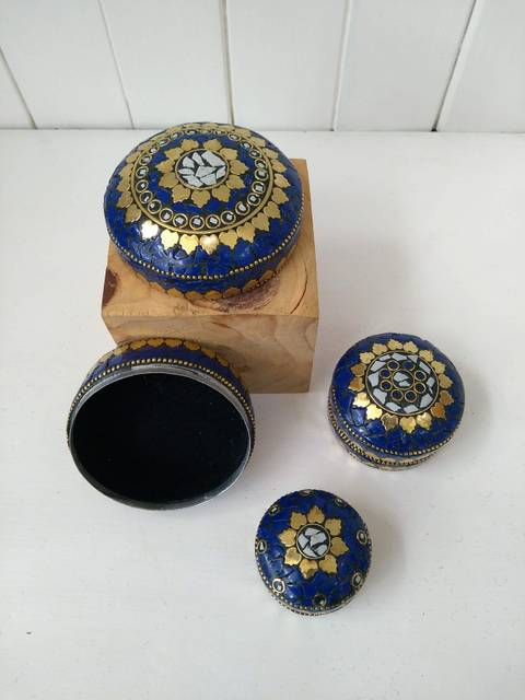 blue and gold trinket boxes
