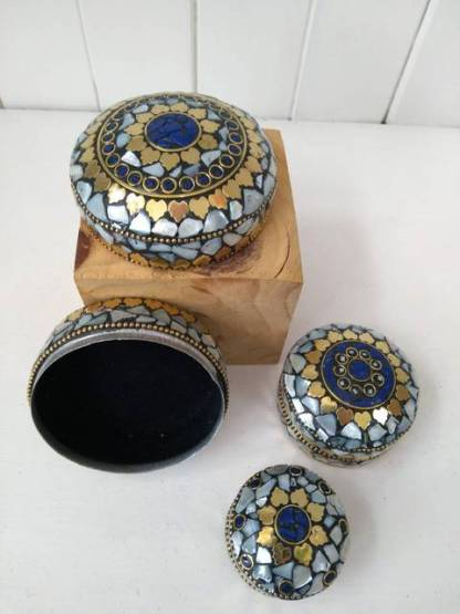 pearl and blue trinket boxes