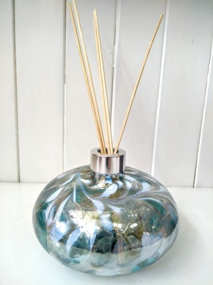 Blue gold pebble shaped diffuser
