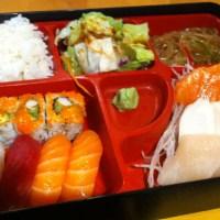 Sushi: Gallery Sushi in Toronto