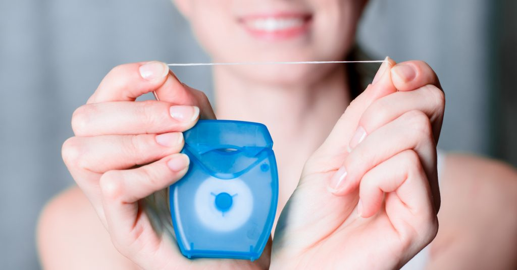 為何使用牙線很重要