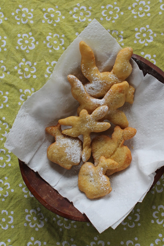 Sopaipillas recipe easy to make for a rainy day snack!