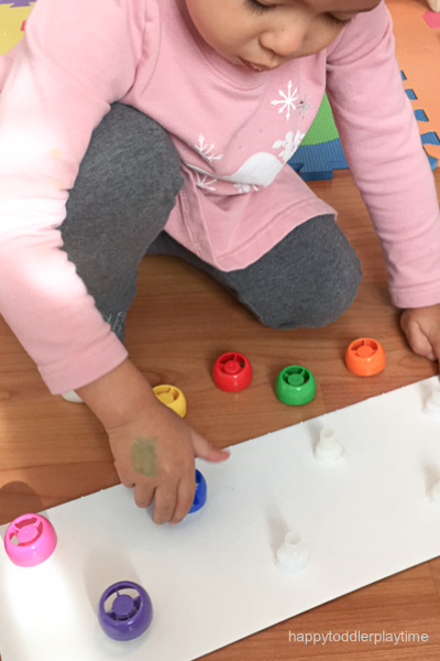 Cap TWIST OFF board fine motor activity
