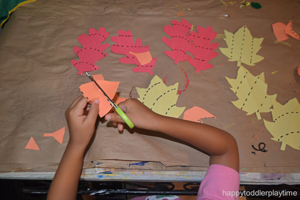 leaf cutting activity fir toddlers and preschoolers