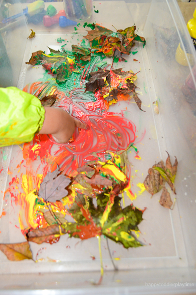 messy fall art activity for toddlers and  preschoolers