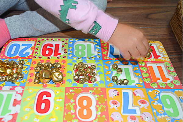 JINGLE BELL PUZZLE COUNTING 7
