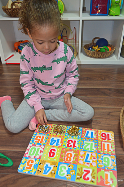 JINGLE BELL PUZZLE COUNTING 8