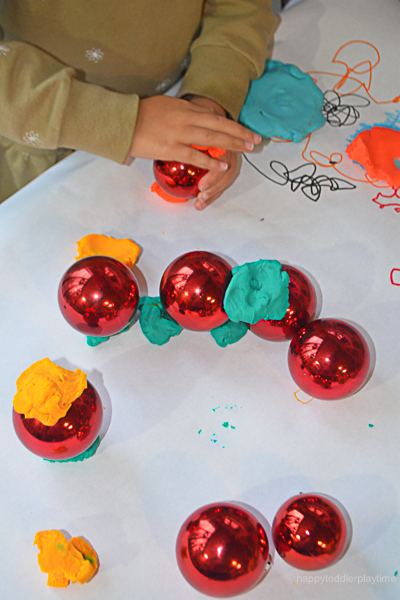 PLAYDOH & BAUBLES 3
