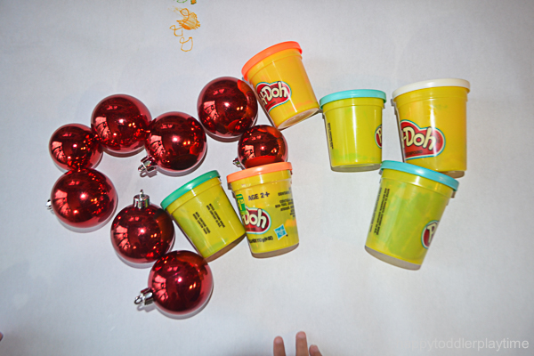 PLAYDOH & BAUBLES
