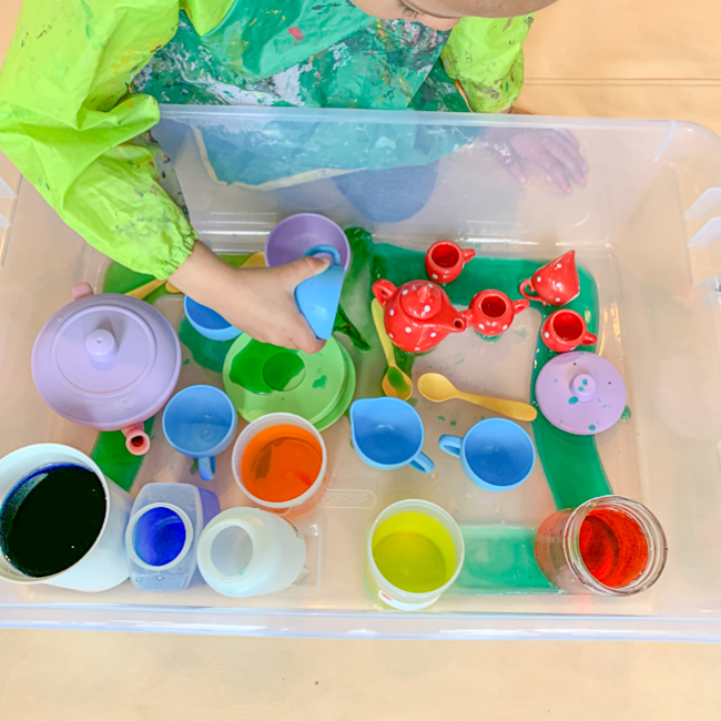 Colour Mixing Sensory Bin for toddler & Preschooler