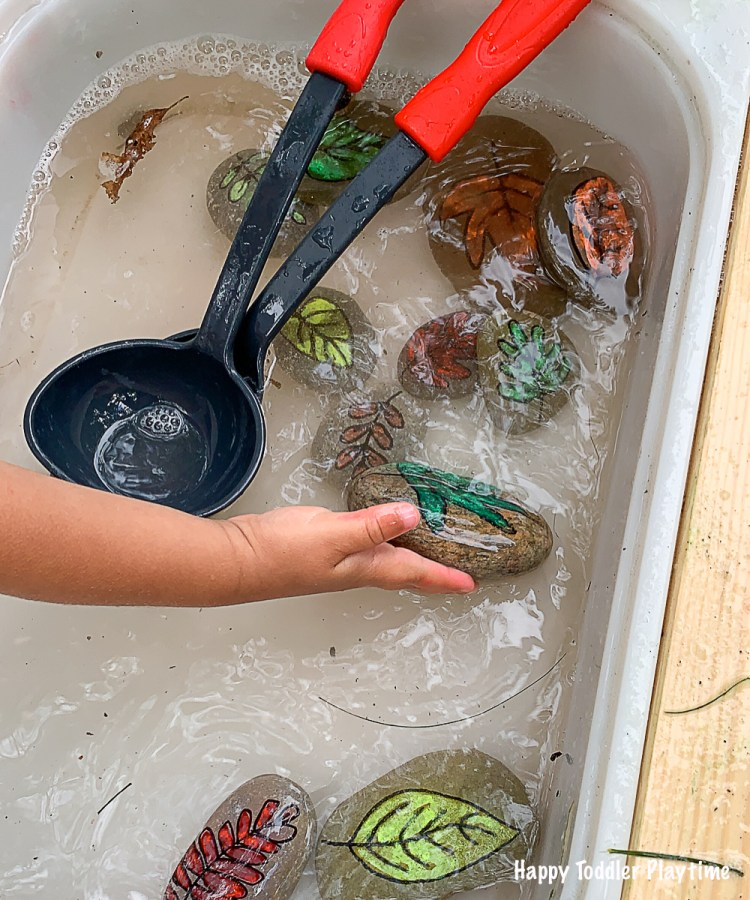 Water sensory activity for toddler for Fall