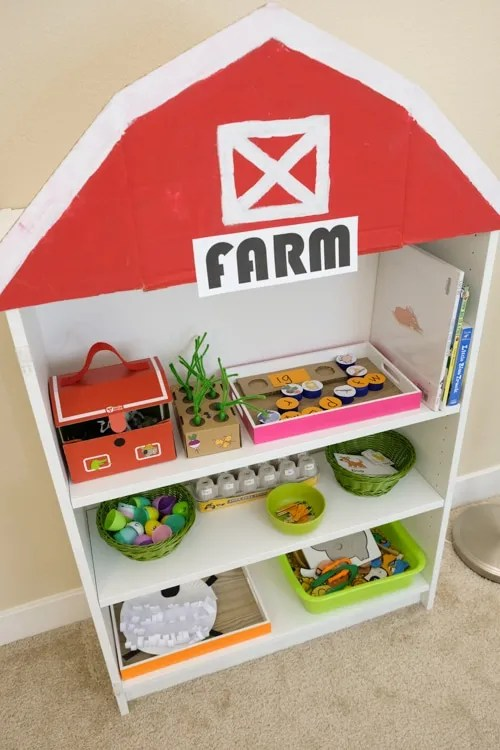 Farm theme learning shelf
