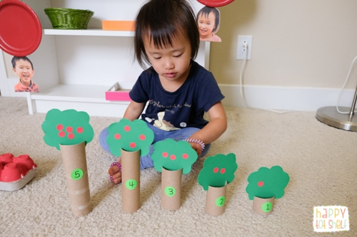 Apples theme activity for toddlers