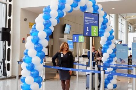 United Inaugural 787-10 Flight Balloon Archway