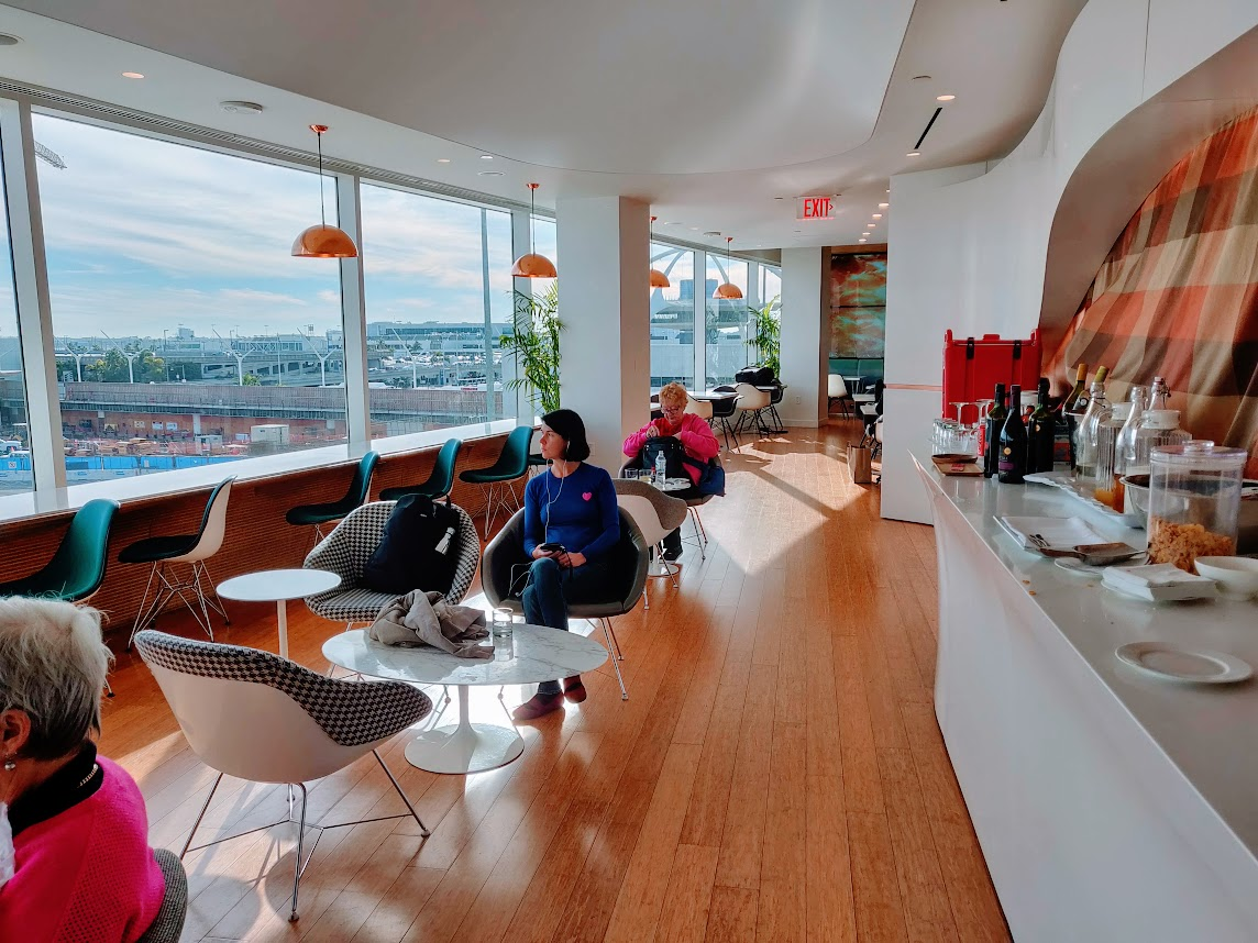 Virgin Atlantic Clubhouse LAX - Happy Wallet Adventures