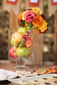 Cozy And Warming Up Fall Bridal Shower Ideas | HappyWedd.com