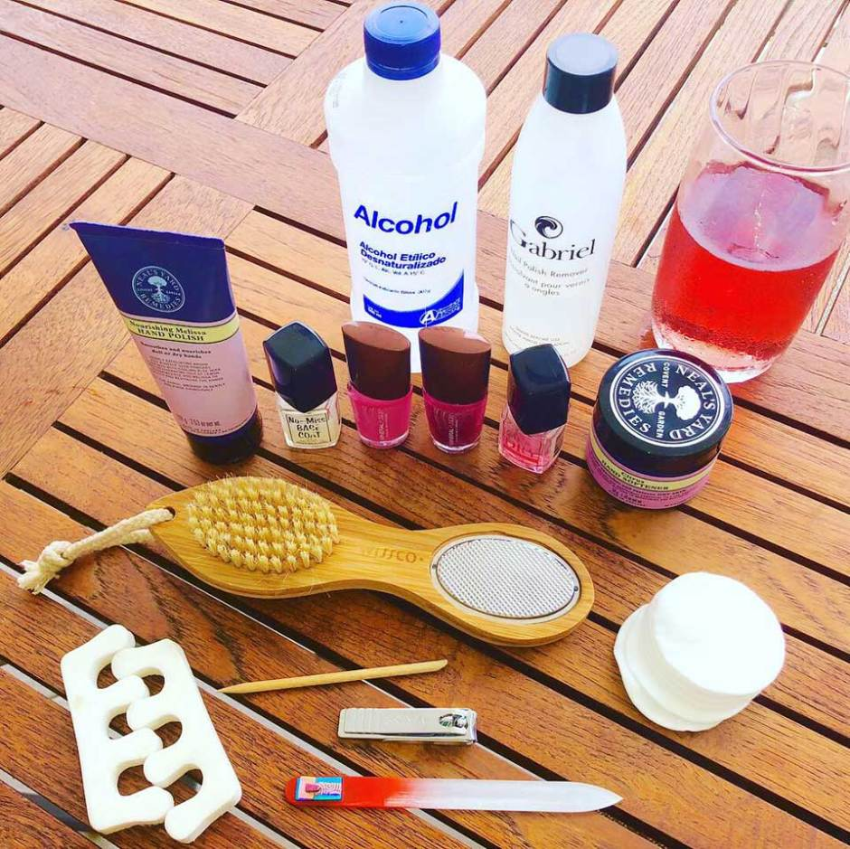 chip-free & toxin-free DIY pedicure Supplies