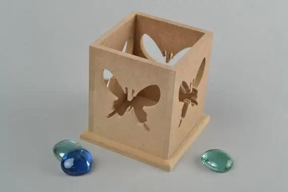 Comment faire un chandelier de vos propres mains sous la forme de cube