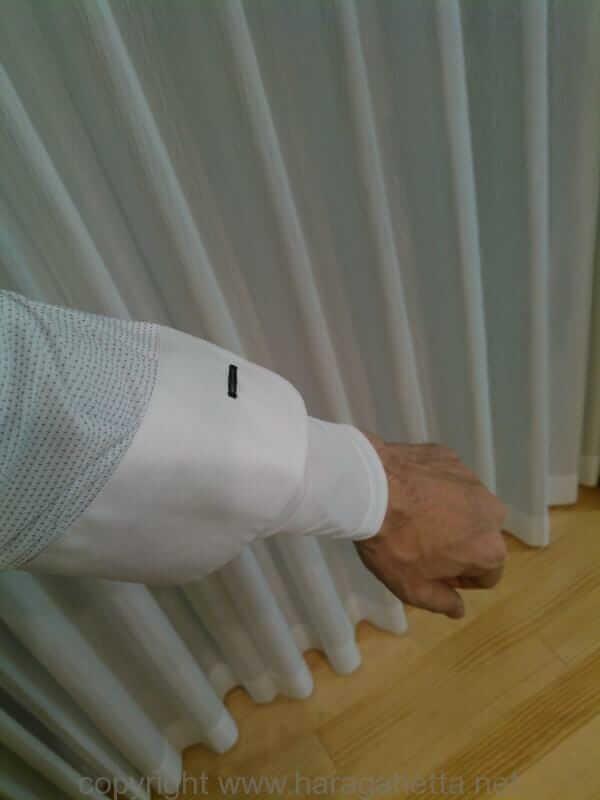 涼しくなるか。ニットワイシャツと冷感インナー(長袖)で通勤してみた。