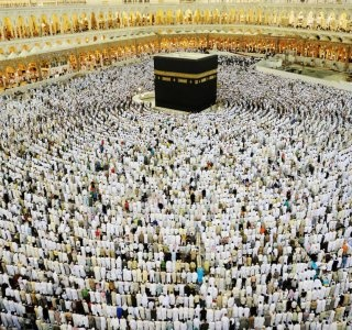 kaaba-in-mecca-muslim-people-praying-together-at-holy-place-by-zurijeta