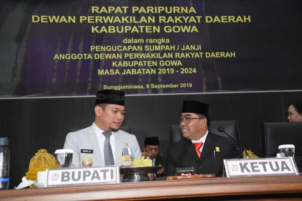 Bupati Gowa Adnan Purichta Ichsan dan Ketua Sementara DPRD Gowa Rapiuddin Rapi